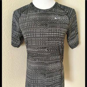 Nike running shirt Dry fit knit shirt short sleeve